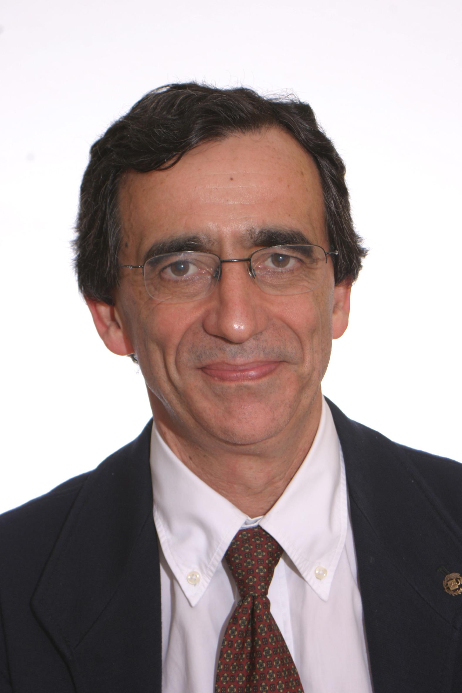 Dr. Fernando Cordido